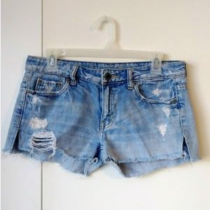 AEO Mid-Rise Distressed Jean Shortie